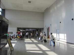 成田空港国内線到着
